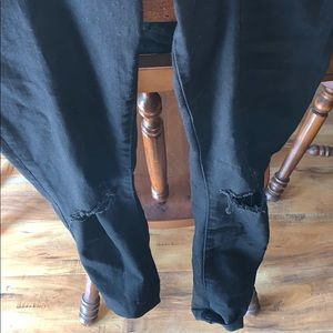 Abercrombie & Fitch black skinny jeans.